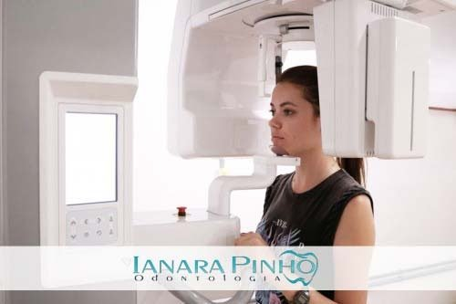 Dentista Ianara Pinho possui clínica totalmente equipada e moderna, oferecendo diversos tratamentos odontológicos e, centro radiológico e cirúrgico.